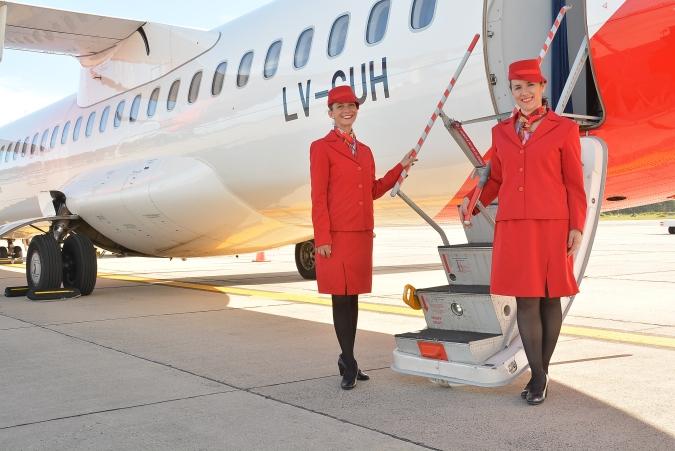 tripulación del vuelo inaugural