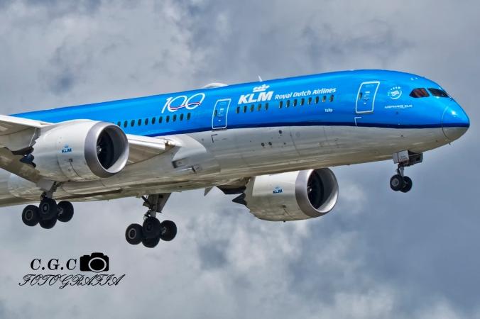 KLM 100